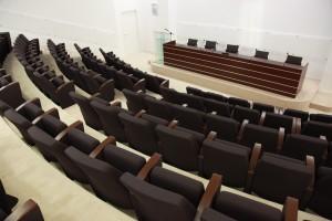 CENTRO DIREZIONALE 124 POSTI